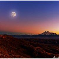 Эльбрус  с плато Бермамыт :: Александр Богатырёв