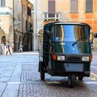 На улицах в Италии :: skijumper Иванов