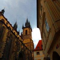Хребтом средневековых сил встаёт собор святого Вита :: Гала