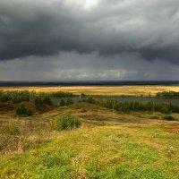 Дождь идёт. :: Юрий Моченов
