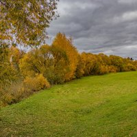 Вдоль берега реки Каменки. г. Суздаль. :: Andrew