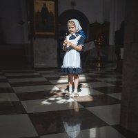 В храме :: Надежда Антонова