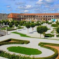 Возрождающийся парк в замке Братиславы :: Вячеслав Случившийся