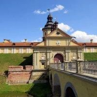 Главные ворота замка :: Вера Щукина