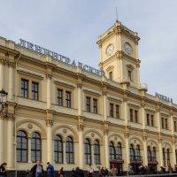 Ленинградский вокзал :: Сергей Лындин