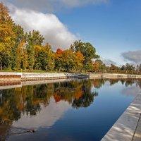 Осенняя река :: Roman Ilnytskyi