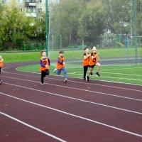 300 м Соревнования среди школ города. :: Елизавета Успенская