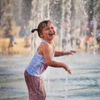Счастливое детство... :: Сергей Кичигин