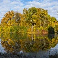 Посмотрелась Осень в зеркало пруда... :: Александр Петров
