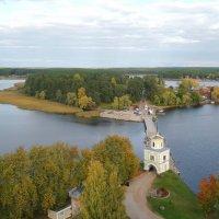Вид на Селигер с колокольни монастыря :: Лидия Бусурина