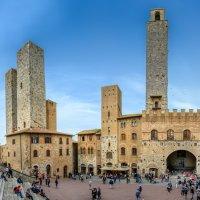 Piazza Duomo San Gimignano :: Konstantin Rohn