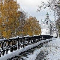 В этот день, 18.10.2014, пять лет назад, в Ярославле зима и осень встретились друг с другом :: Николай Белавин