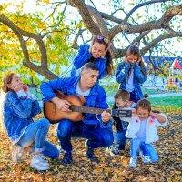 Чудная семейка :: Любовь Дашевская