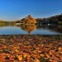 Осень в Царицыно :: Oleg S