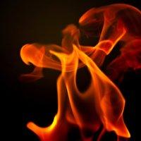 Зажигательный танец или 1/640 секунды из жизни огня :: Alex .