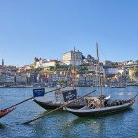 Панорама реки Дору в Порту в сторону Старого города и моста Луиша I :: Минихан Сафин