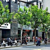 Улица в Шанхае, :: Анатолий