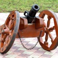 старинная пушка :: ольга хакимова