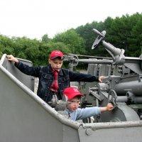 Парк Победы. Музей ВМФ. Будущие защитники... :: Владимир Драгунский