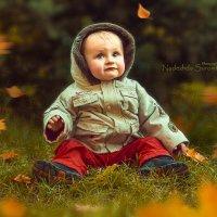 Мальчик на траве... :: Nadine Surovitskaya