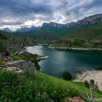 Вечер на озере Гижгит :: Сергей