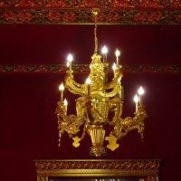 Люстра старинного зала :: Дмитрий Никитин