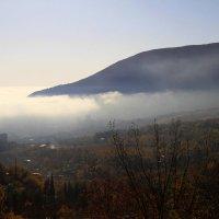 Крым.Партенит в тумане. :: Геннадий Валеев