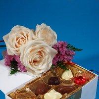 Цветы и конфеты :: Ольга Бекетова