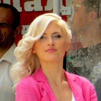 Яркая блондинка :: Игорь Мукалов