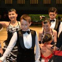 Радость детей после выступления...Мы победили... :: Андрей Хлопонин