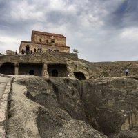 пещерный город Уплисцихе :: Лариса Батурова