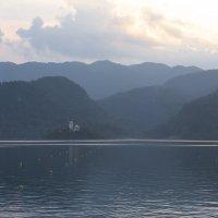...перед закатом на озере Блед :: volk777600 Волков