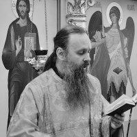 Праздничная литургия в день Архистратига Михаила :: Надежда Парфенова