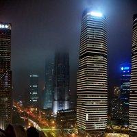 Улица Восточная Луцзяцзуй :: Александр Чеботарь