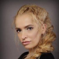 Женский портрет :: Александр Кубасов