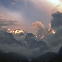 Непогода в горах... :: Николай Кувшинов