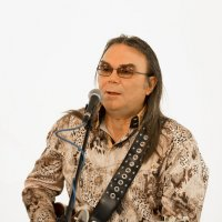 "Останкино, телеканал ""Ностальгия"", музыкант Эдуард Голиков. 04.11.2019 года. :: Валерий Щербин"