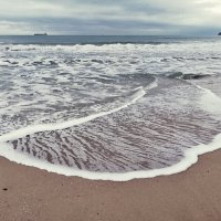 Замысловатые рисунки черноморской волны :: Swetlana V