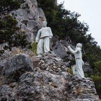 Памятник отважным скалолазам :: Павел Катков