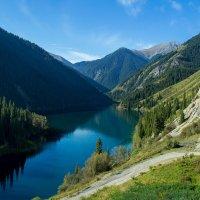 Нижнее озеро Кольсай, Южный Казахстан :: Natalya Danilova
