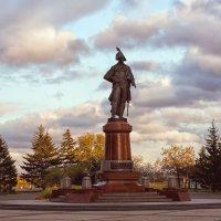 Памятник Резанову Николаю Петровичу в Красноярске (1764-1807) :: Татьяна Афанасьева