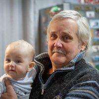 Внук и дед :: Владимир Гурьянов