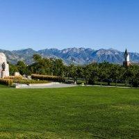 Вид на рощу, часовню и памятник погибшим мормонам :: Юрий Поляков