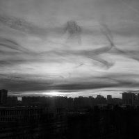Закат над городом ... :: Лариса Корж