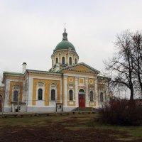 Храм в Зарайском кремле. :: Victor Klyuchev
