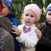Детский сад на прогулке 2 :: Рита Куприянова