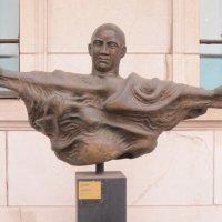 Необычная скульптура :: Дмитрий Никитин