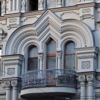 Центральное окно доходного дома А. А. Николаева (Санкт-Петербург) :: Ольга И