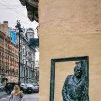 Памятник Сергею Довлатову улица Рубинштейна, 23 Санкт-Петербург :: Игорь Свет