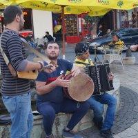 кавказкий калорит - тут музыка повсюду радостно звучит. :: Серж Поветкин